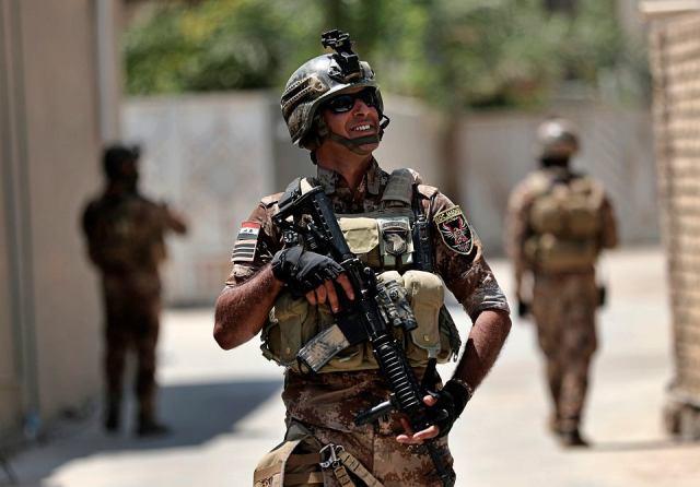 Iracki patrol w trakcie akcji przeciwko ukrywającym się bojownikom Państwa Islamskiego
