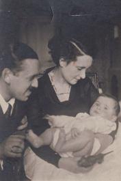 Ola Watowa i Aleksander Wat z synem Andrzejem, 1931 r.