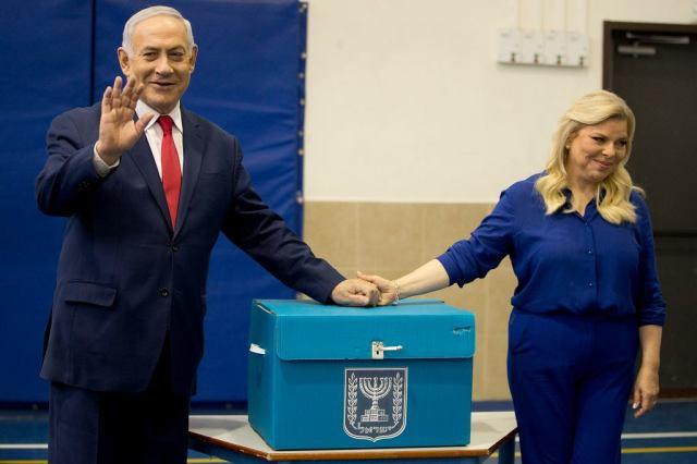 Premier Izraela Benjamin Netanjahu z żoną Sarą