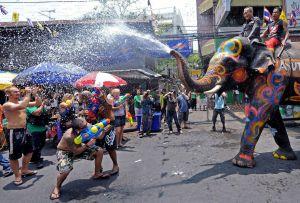 Water Festival Thailand s. boredpanda