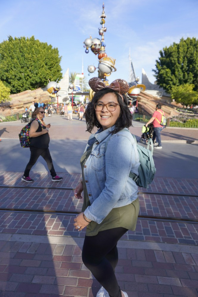 34d1784721ee Plus Size Guide to a Picking What to Wear to Disneyland - biancakarina