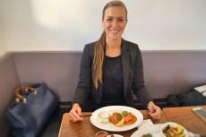 HeimWerk Schwabing Fast Slow Food Restaurant Ich beim Essen