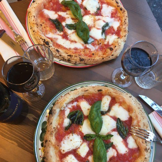 abbinamento-pizza-rossa-vino-rosso
