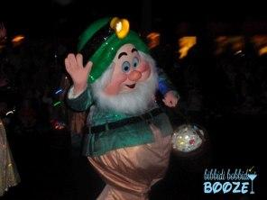 snow white, seven dwarfs, main street electrical parade, walt disney world, disneyland, disney parade, wordless wednesday