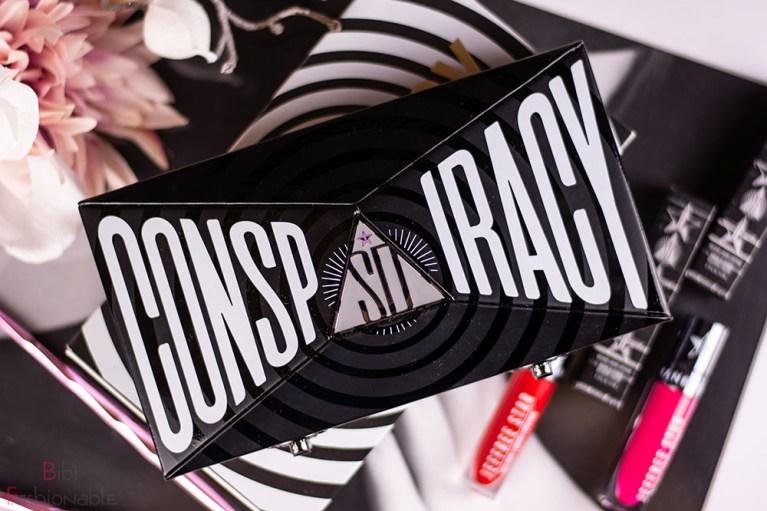 Jeffree Star Cosmetics Conspiracy Palette geschlossen Flatlay