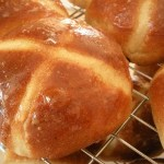 Easter baking: Spiced Hot Cross Buns with Chocolate Chips