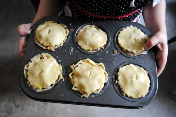 Bibliocook.com - Fabulous fictional feasts in children's books - Bilbo's Pork Pies -