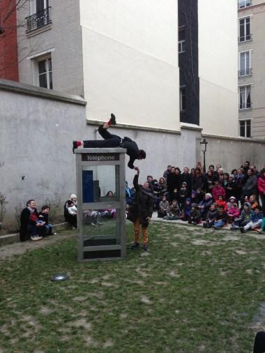 Spectacle En dérangement (2013) - Cie du Petit Monsieur
