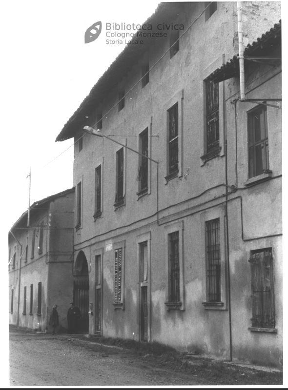 Cascina Cavarossa  facciata settentrionale della residenza nobiliare (1990)