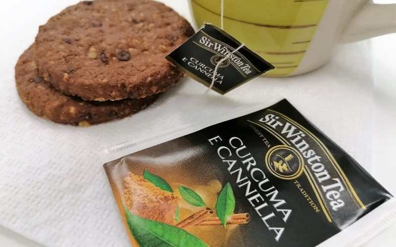tè nero curcuma e cannella