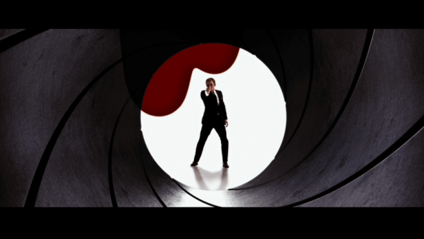 Quantum-of-Solace-James-Bond-Daniel-Craig-gun-barrel.png