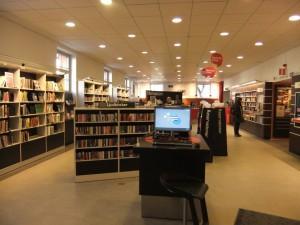 Zentralbibliothek Eingangsbereich links