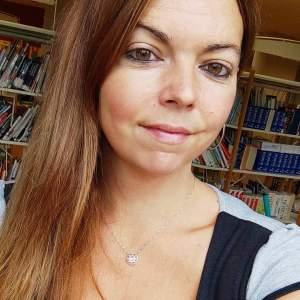 Aurélie Louvel auteur d'un livre sur la bibliothérapie jeunesse