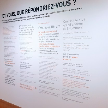 Exposition Human, le mur de question ©biboucheetbibouchon