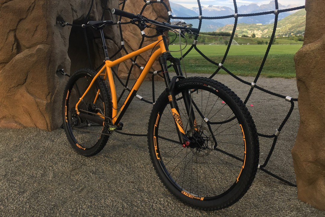 Racing Enduro Hardtail Model Chinotto