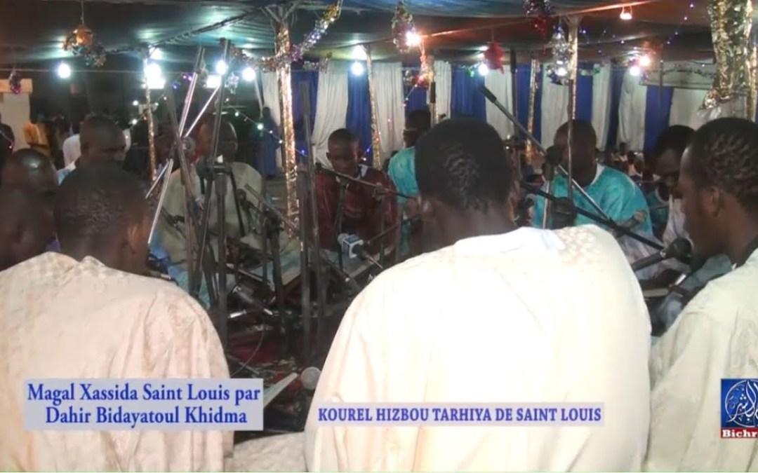 Magal Khassida a Saint Louis par Dahira Bidayatoul Khidma kourels