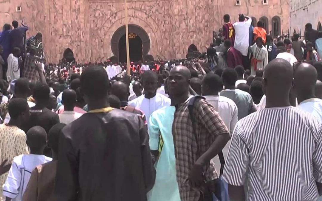 prière du vendredi Serigne Sidy Moukhtar Mbacke a la grande Mousquee De Touba kahzu rajab 2015