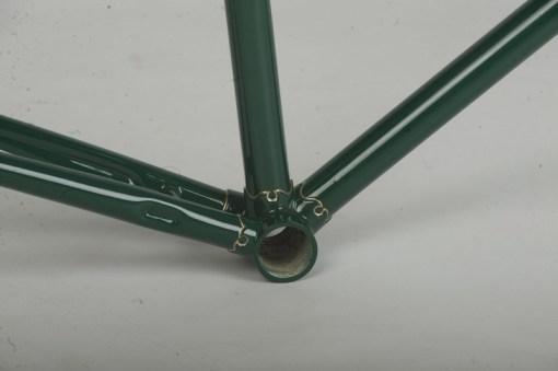 Restauracion pintura cuadro fileteado racores inferiores bicicleta carretera antigua clasica carreras