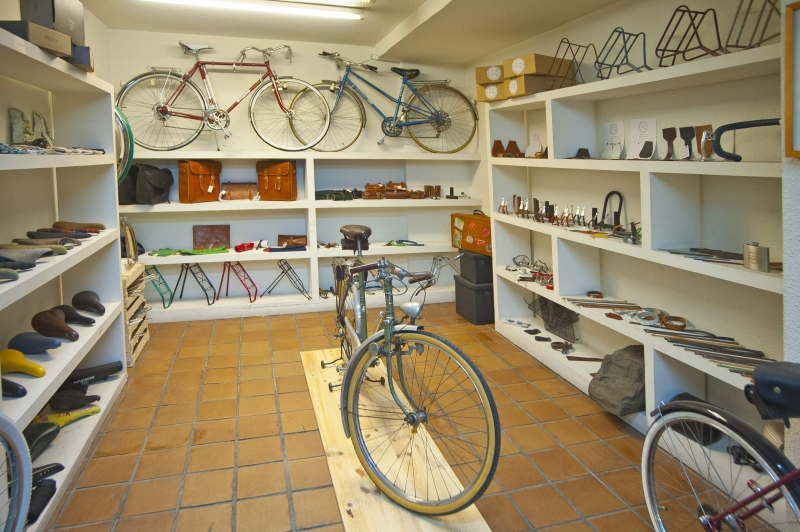 Visualiza el interior taller tienda de Bicicletasclasicasleo.com