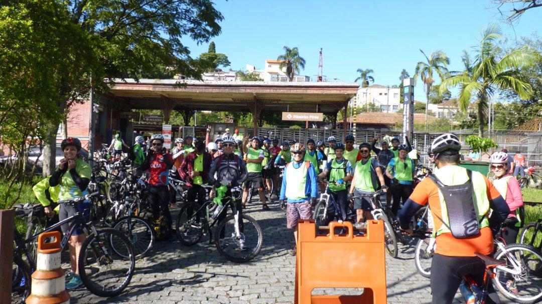 Pessoal em Ribeirão Pires, no treino Paranapiacaba, terceira semana do 8º DBM SP