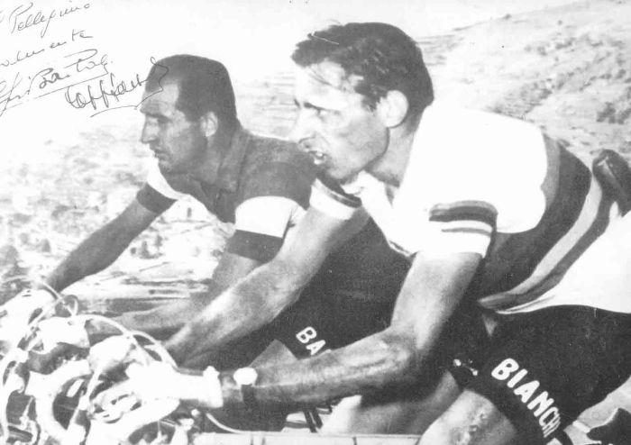 Cartolina recante le immagini di Gino Bartali e Fausto Coppi