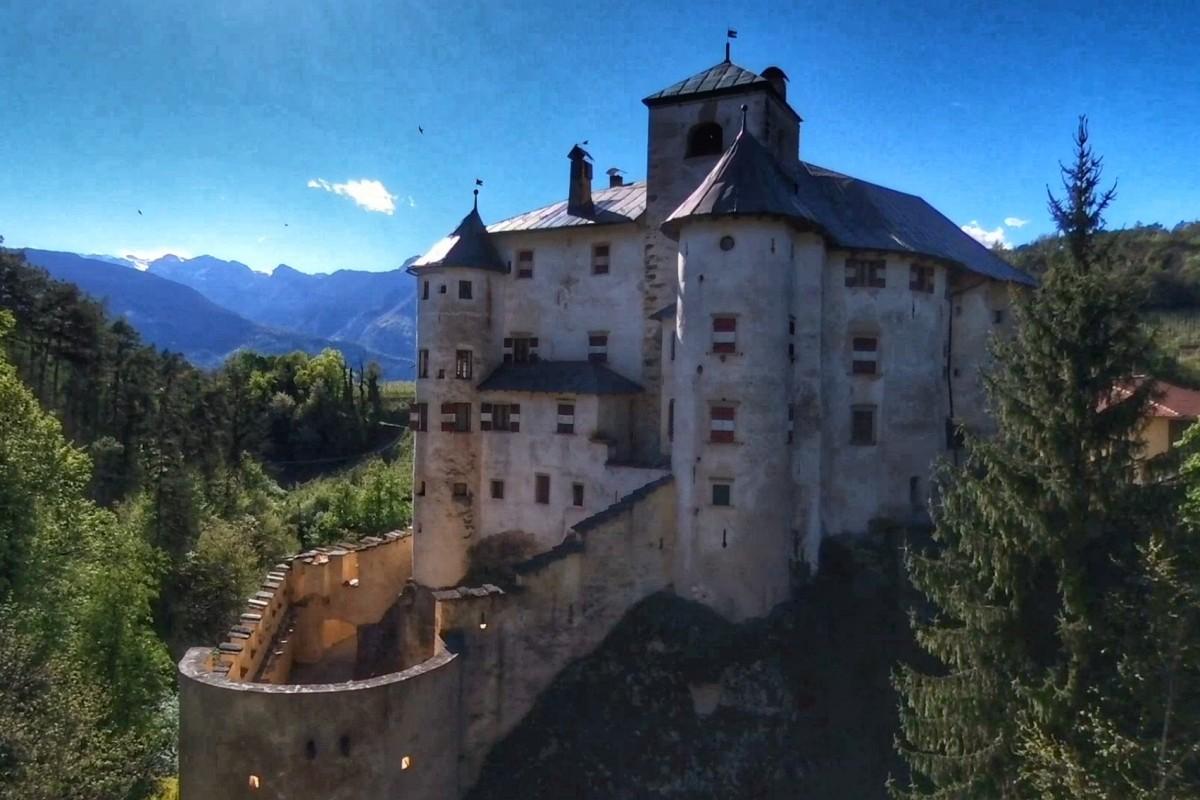 Castel Bragher (dronestagram)