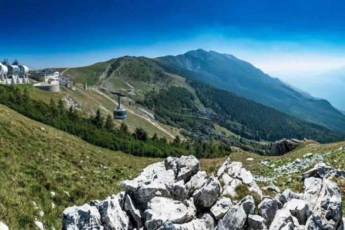 Lo splendido panorama visibile dai sentieri sul Monte Baldo (redbull.com)