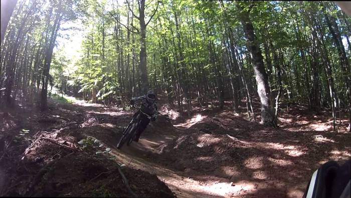 Tratto di un trail lungo il Pierfaone Bike Park