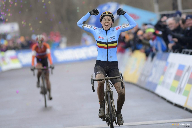 La belga Sanne Cant, trionfatrice ai mondiali di Valkenburg 2018 (cyclingtips.com)
