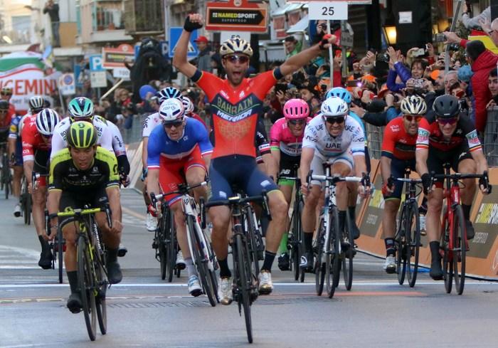 Vincenzo Nibali in trionfo alla Milano Sanremo 2018