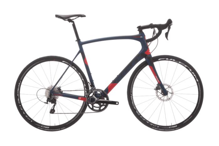 Foto di una bici da strada Ridley, marchio belga fornitore ufficiale di team di ciclismo professionistico (ridley-bikes.com)