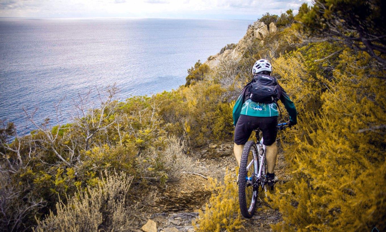 Trail mozzafiato a due passi dal mare: Hotel Tirrena - Country & Bike Hotel Portoferraio