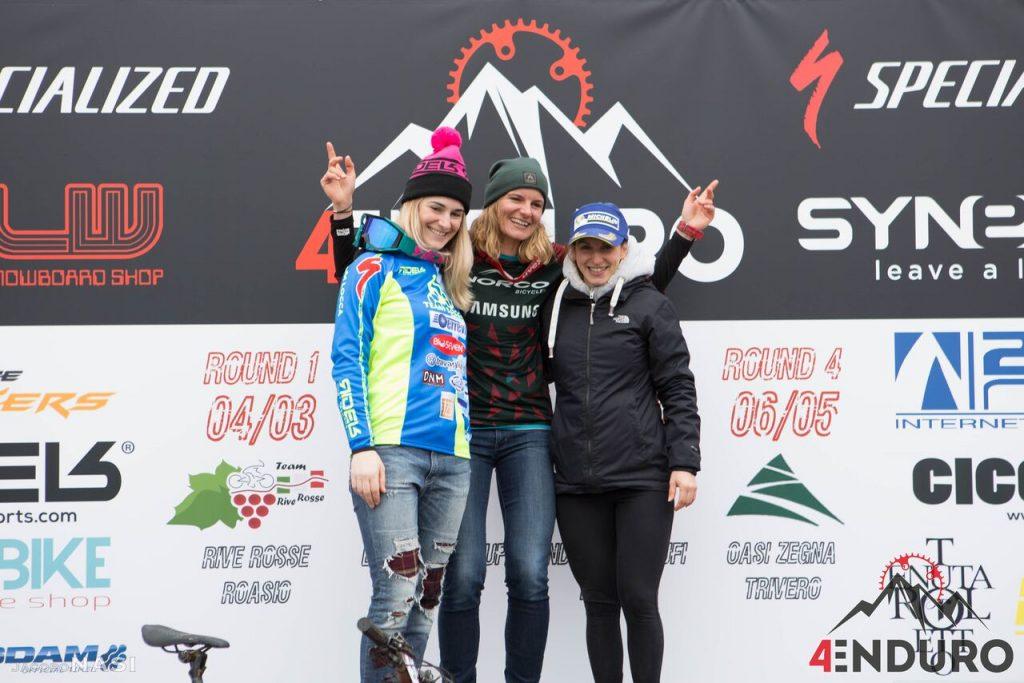 Il podio assoluto donne della prima gara della scorsa stagione: 1ª Anita Gehrig, 2ª Chiara Pastore, 3ª Gaia Ravaioli