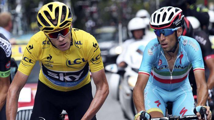 Chris Froome (a sx) e Vincenzo Nibali durante il Tour de France '15. Saranno i grandi favoriti del Tour of the Alps '19