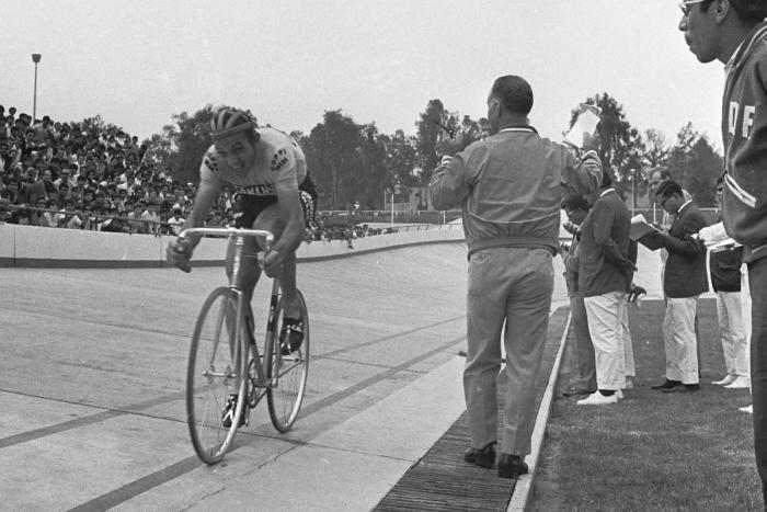 Immagine del ciclista danese Ole Ritter in bianco e nero (sito web cyclingworld.dk)