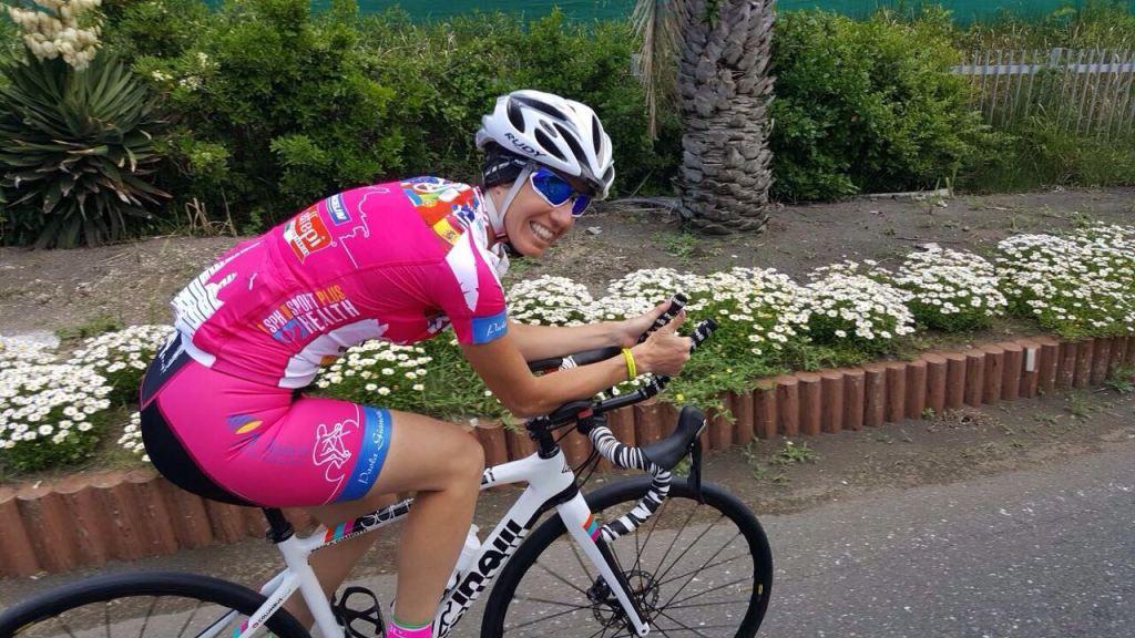 """Paola Gianotti, nativa di Ivrea, ha scritto il libro: """"Sognando l'infinito. Come ho fatto il giro del mondo in bicicletta"""" (PIEMME edizioni)"""
