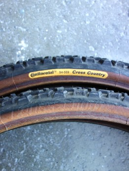 "NOS Continental 26"" x 2.0"" classic MTB brown wall tyres"