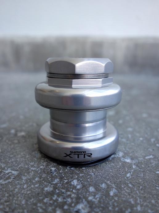 "Shimano XTR headset - 1 1/8"" HB-M901"