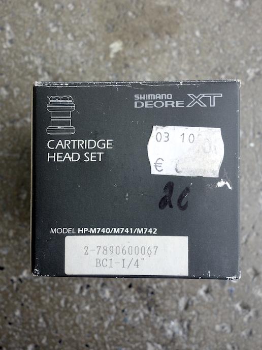 """Shimano Deore XT HP-M742 1 1/4"""" headset"""