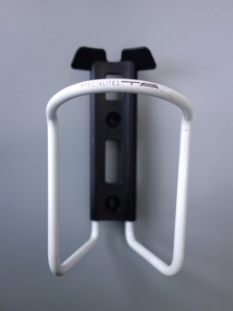T.A Specialites Sierra water bottle cage – White
