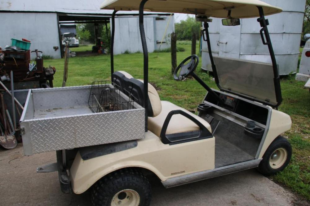 IngersollRand Club Car gas golf cart with cover  Current
