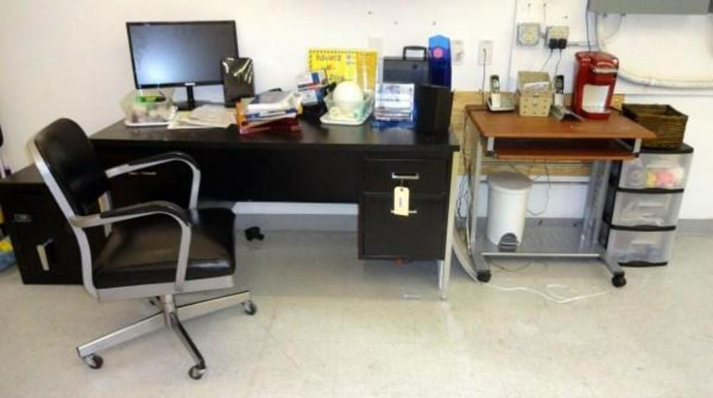 office chair pedestal scorpion computer double chrome leg desk with contents rolling lot 45 of 57 work station and 3 drawer sorter includes keurig coffee