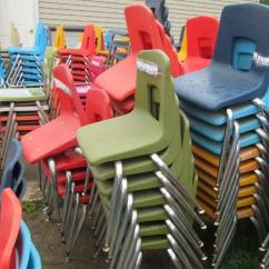 Artco Bell Chairs Indoor Swingasan Chair 11 Molded Plastic Student With Chrome Legs Including Lot 114 Of 323 Brand 27 H X 13 5 W Each