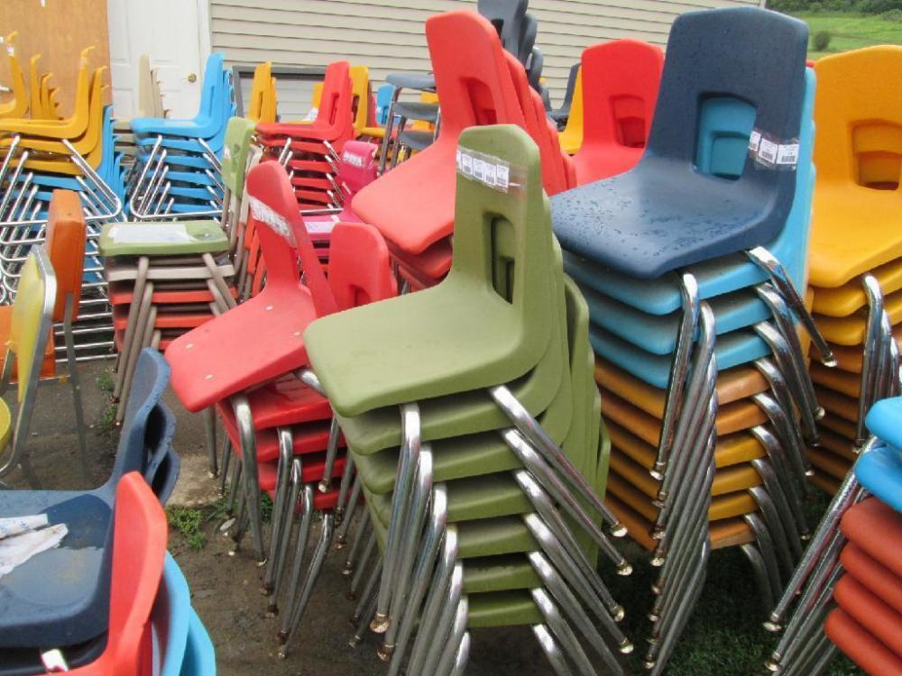 artco bell chairs all weather adirondack 11 molded plastic student with chrome legs including lot 114 of 323 brand 27 h x 13 5 w each