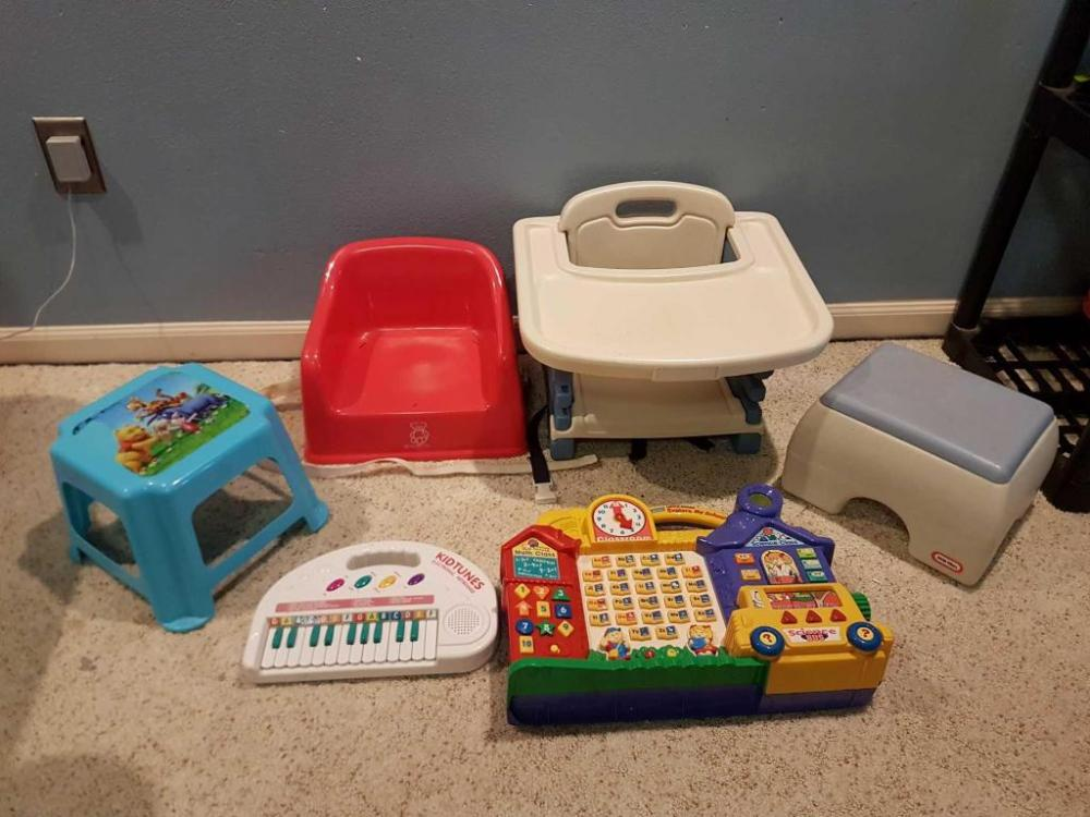 baby bjorn booster chair kids saucer seat and evenflo high both are able to strap down chairs also two step stools kidstunes keyboard vtec