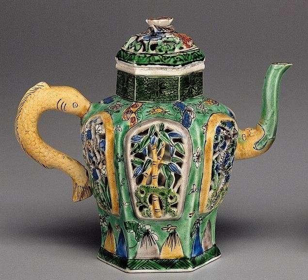 18th C. Kangxi Chinese Famille Verte Wine Pot