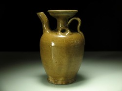 Song Amber Glazed Wine Pot, foot