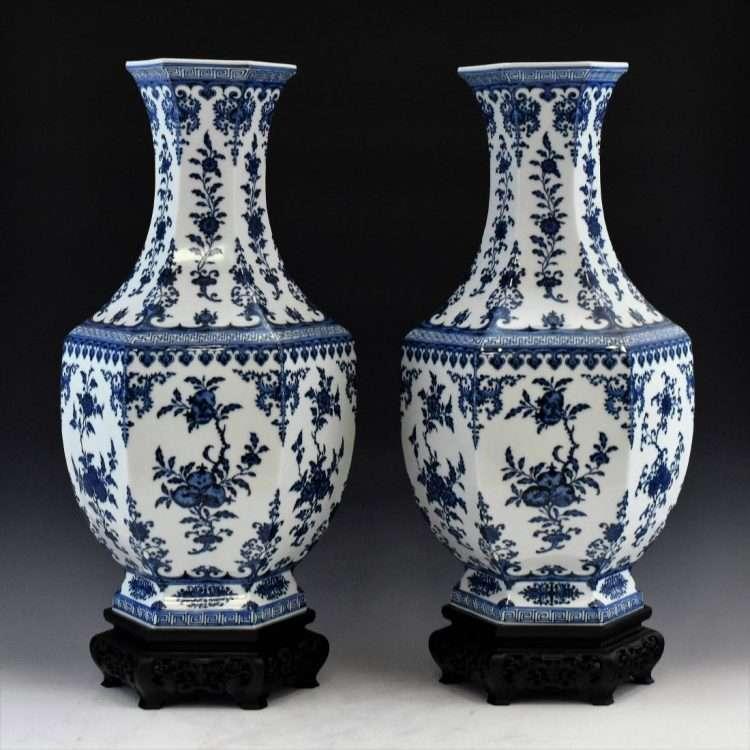 Fake Qianlong vases at Eden Galleris