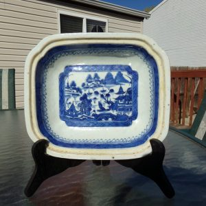 18th/ 19th Century Chinese Export Blue and White Serving Dish