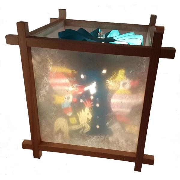 Lanterne Magique Artisanale en bois avec un décor du cirque